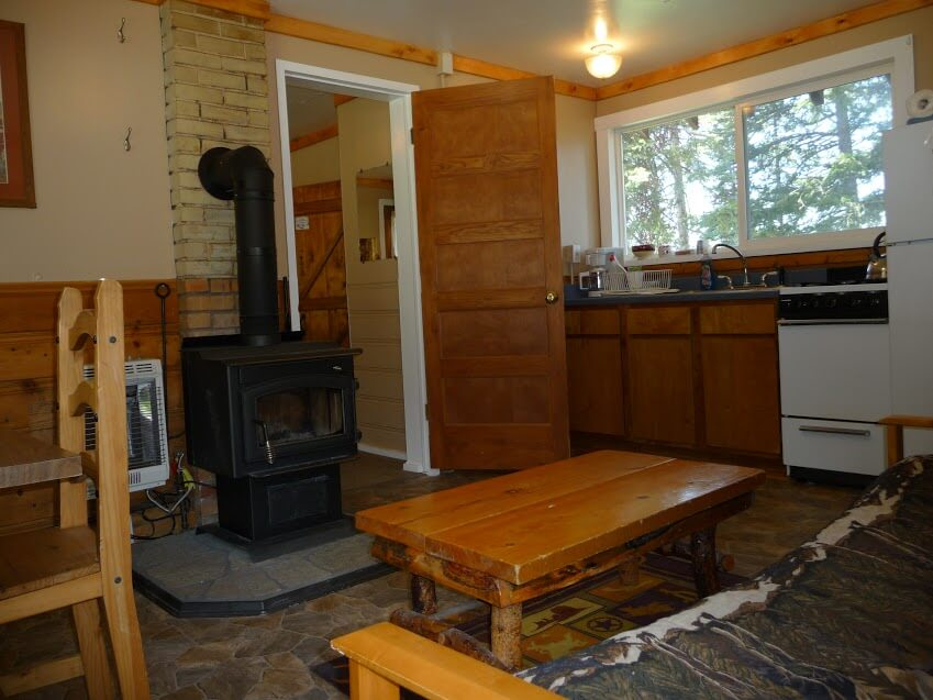 Cabin-7-Kitchen